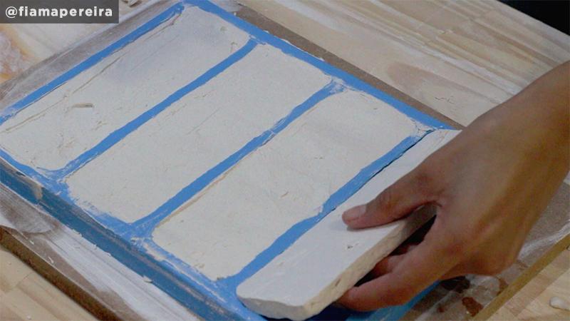retire-o-gesso-do-molde-silicone